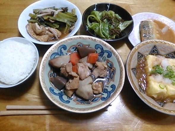 さば味噌煮中心の夕食_170217