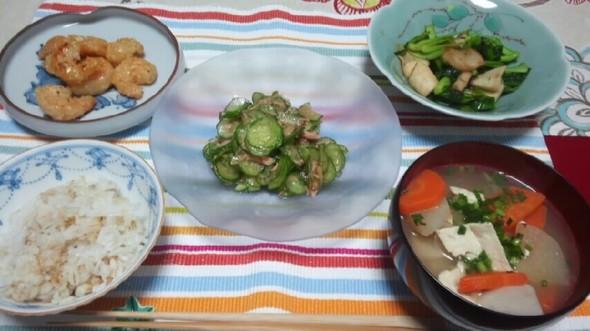 野菜たっぷり、けんちん汁の晩ごはん