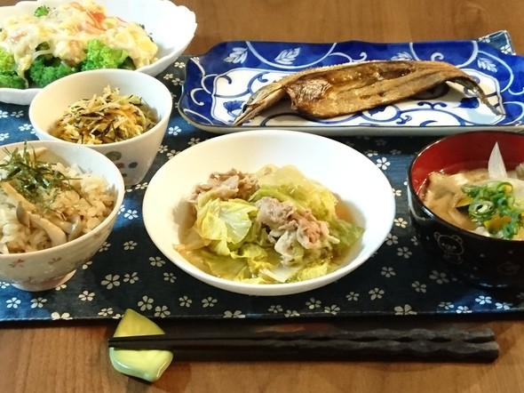 豚肉白菜のすき煮とブロッコリーのあんかけ