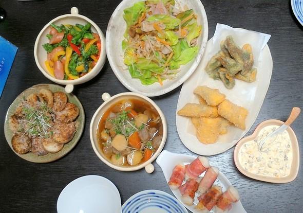 肉野菜炒めと菜の花の居酒屋メニュー