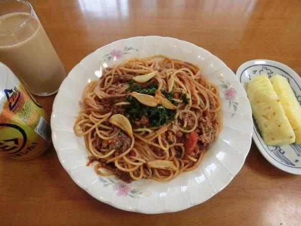 ボロネーゼソースパスタで お昼ご飯