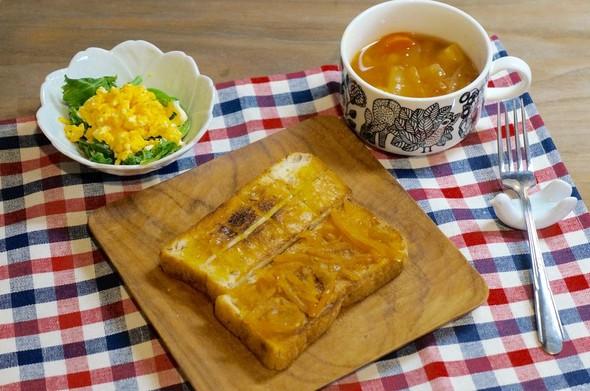 シナモンマーマレードトーストの朝ごはん