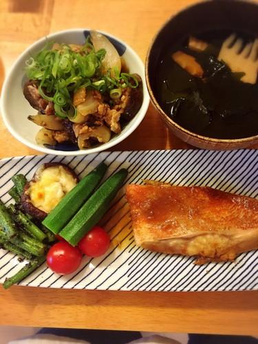 お買い得だった赤魚で煮魚定食