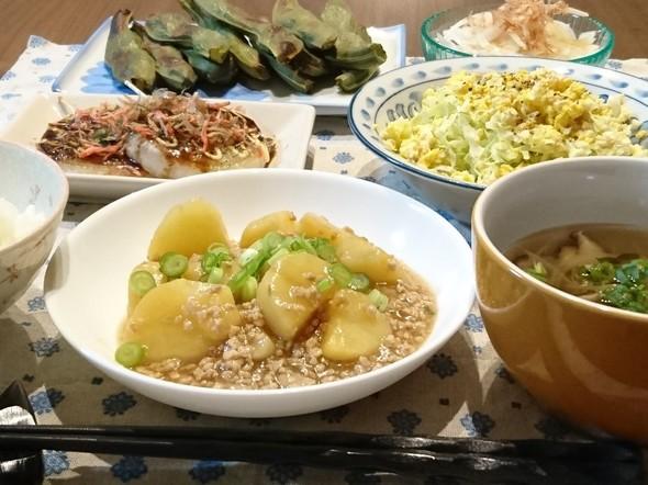 新じゃが・新たま・春キャベツ・空豆の夕食