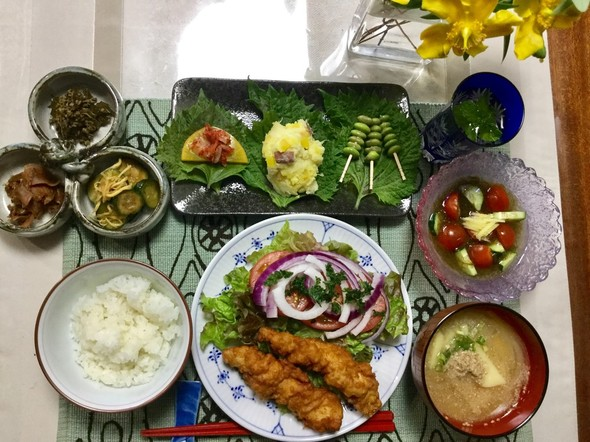 ☆作り置きおかずのお陰で品数多い晩ご飯☆