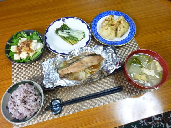 簡単☆トースターで鮭のホイル焼きの夕食