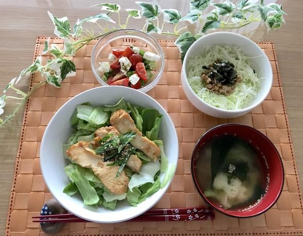 生姜ご飯で♡鶏胸肉塩麹丼♡のご飯