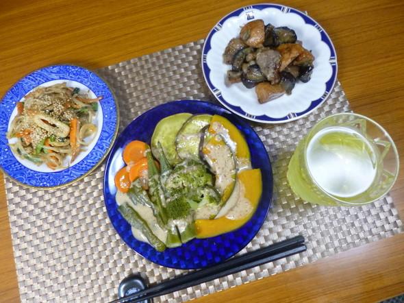 温野菜サラダとおかず2種で夕食(*^^)