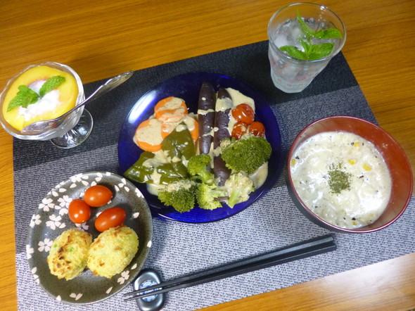 温野菜の他にカラフルなデザートと揚げ物❤