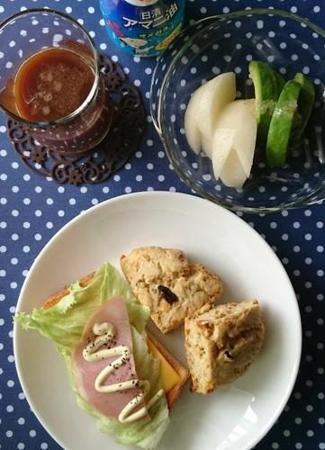 薩摩芋スコーン&ハムチーズレタストースト