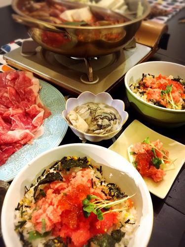 トマト鍋と牡蠣鍋とどんぶりの日