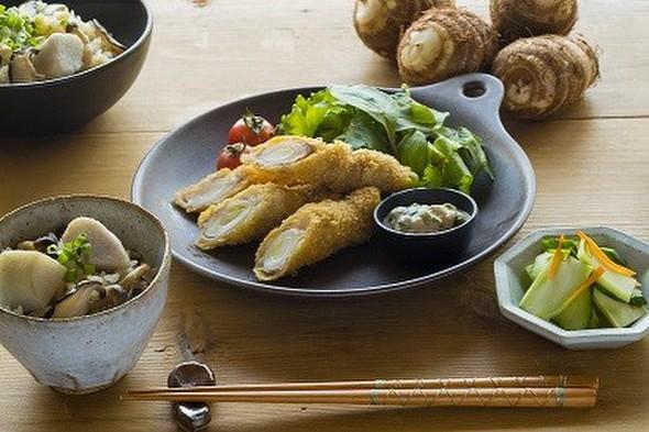 長ネギの肉巻きフライと炊き込みご飯の定食