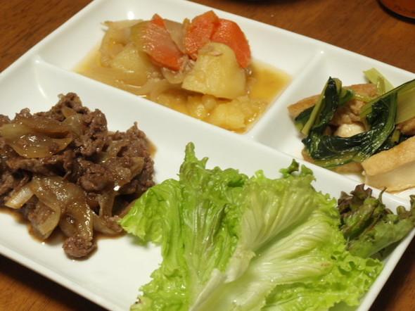 牛肉のレタス包みで晩ご飯(10/23)