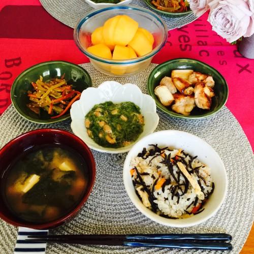 素朴な味♪ひじきの炊き込み御飯♡お昼