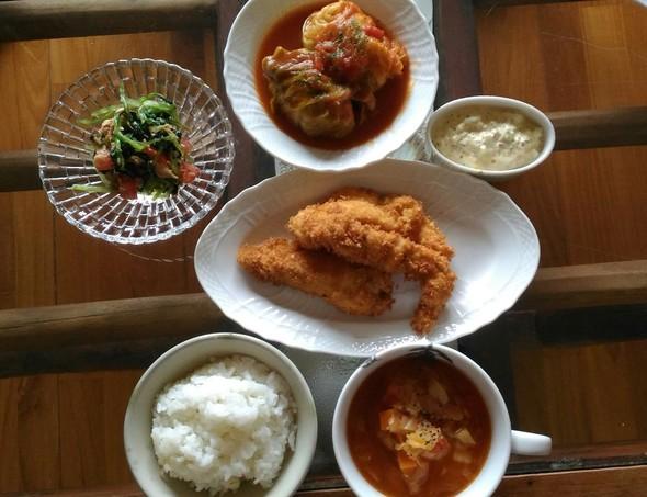 ロールキャベツと鶏むね肉のフライ