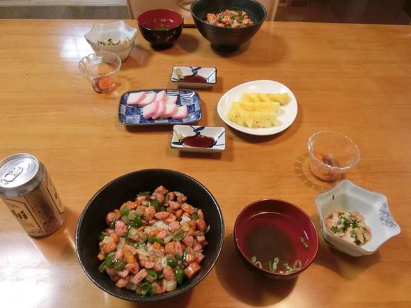 ウインナー丼の 夕ご飯