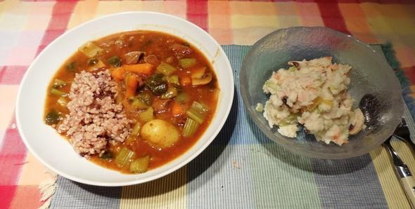 野菜カレーとマッシュポテト サラダ