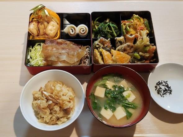 1/12☆キノコご飯と天ぷらでご馳走夕食