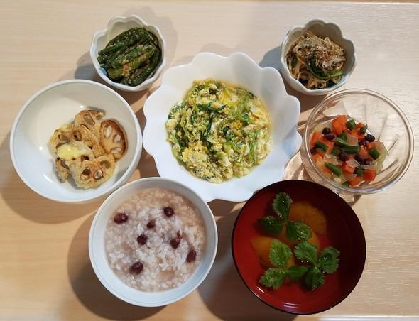 1/15小豆粥と卵とじとミカンのお吸い物