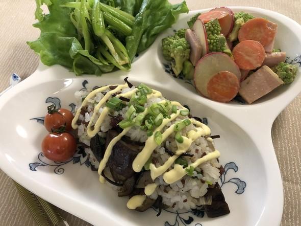 茄子とひき肉の塩昆布炒飯