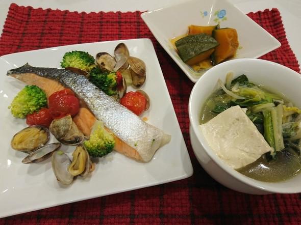 夕食 鮭のアクアパッツァ