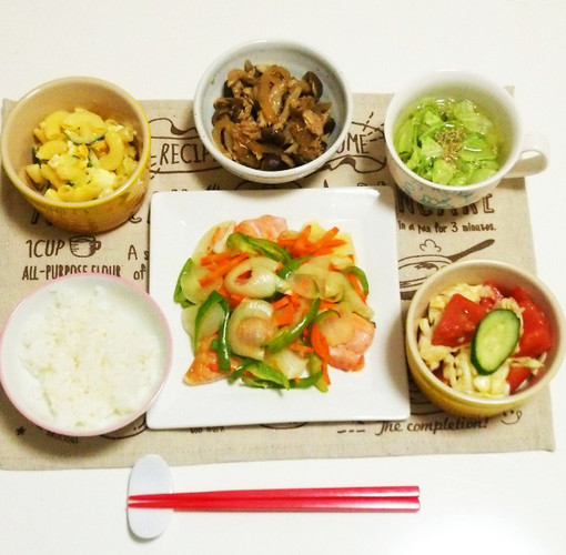 彩り野菜とサーモンのムニエルで晩ごはん