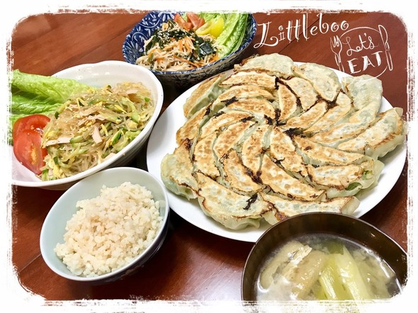 肉汁溢れるジューシー餃子☆の夕ご飯