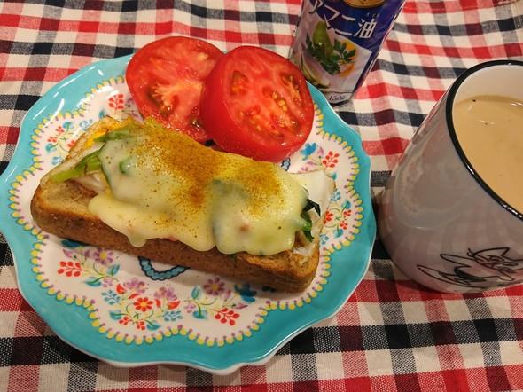 朝食 ほうれん草トースト