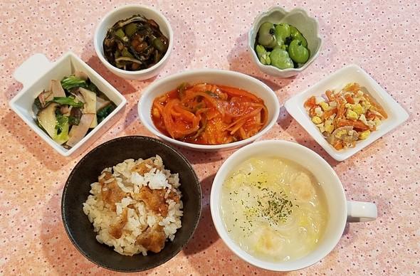 鶏肉と野菜のケチャップ煮&にんじんサラダ