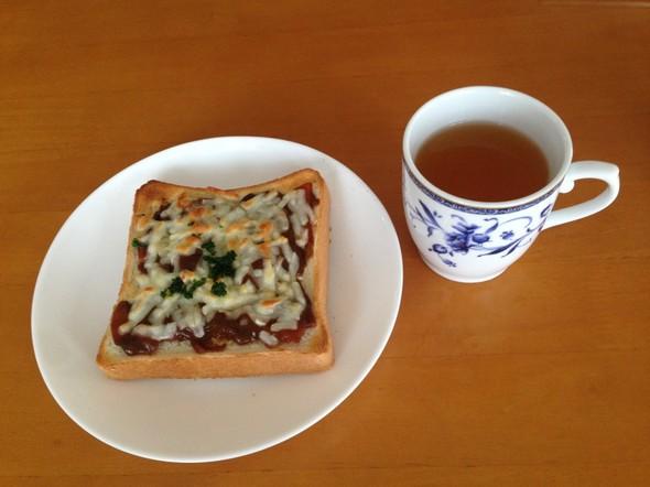 ハヤシライス☆リメイクトーストで朝食