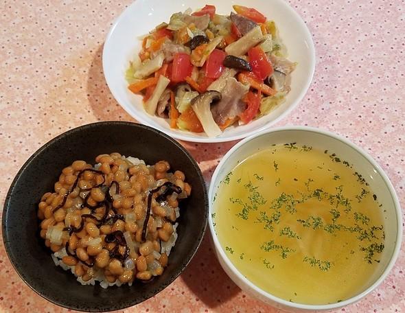 豚キャベツ トマト入り&納豆梅塩昆布玉葱