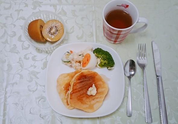 本日の朝食~ホットケーキワンプレート