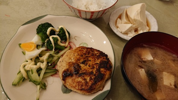 豚ひき肉で照り焼き豆腐ハンバーグ♡