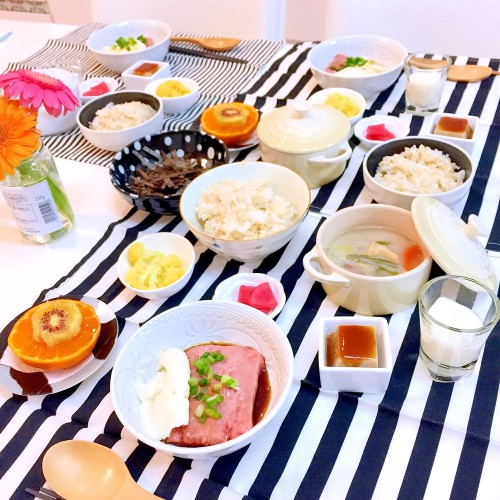 まぐろ山かけ 粕汁 常備菜の食卓