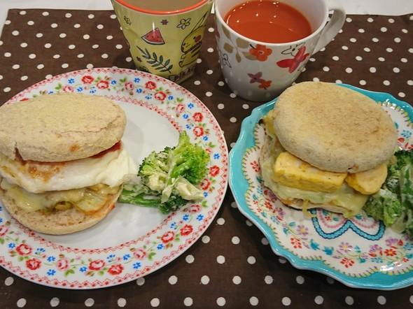 朝食 イングリッシュ マフィン サンド
