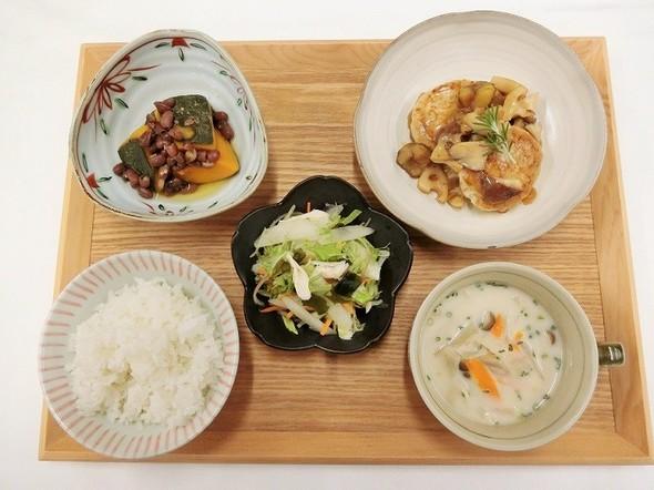 つくね焼&あさりと根野菜の牛乳みそスープ