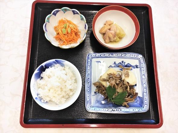 揚げ豆腐きのこあんかけ&かぶと鶏肉の煮物