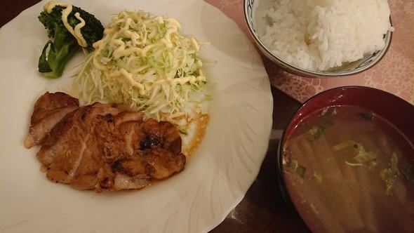 とんかつ用肉で焼き豚×ダシダで大根スープ