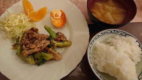 ブロッコリーと豚こま肉の中華炒め♡