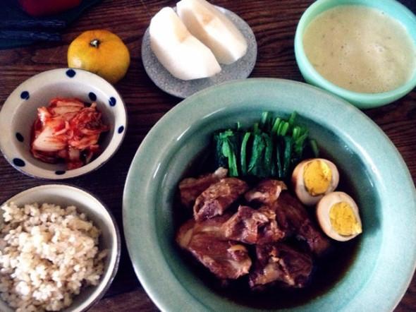 昼食~豚軟骨煮とネギのポタージュ