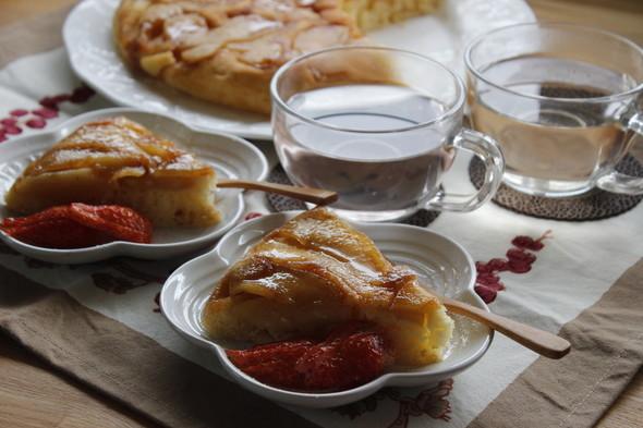 りんごケーキでおやつ時間