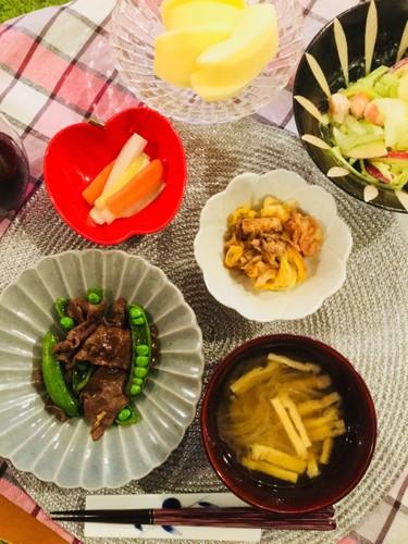 旬のセロリ、スナップエンドウで夕食