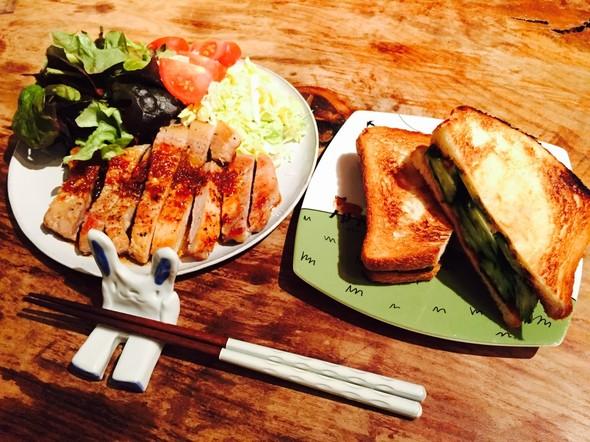 豚ステーキと胡瓜サンドの晩酌☆
