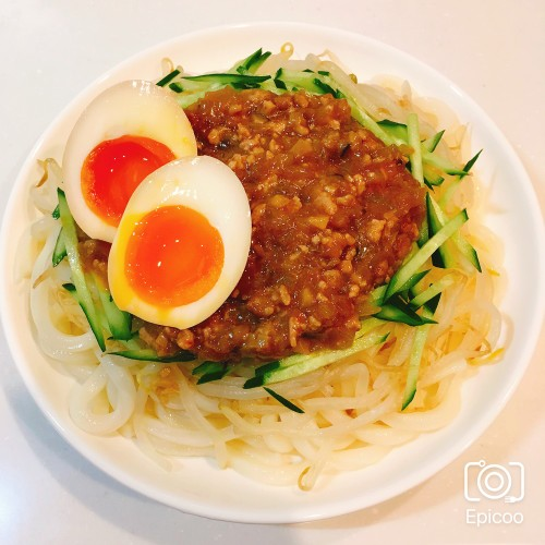 味玉のせジャージャー麺