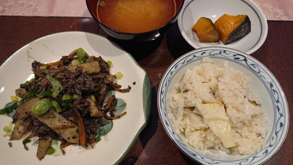 春野菜と牛肉のごま風味炒め×筍ご飯♡