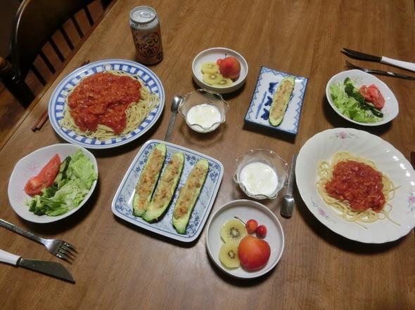 トマトパスタ と ズッキーニ