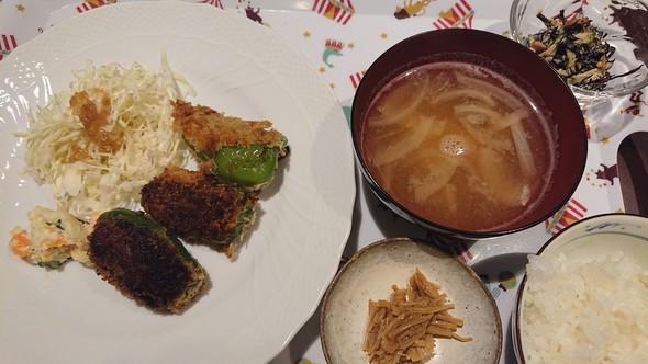 ピーマン肉詰めフライ×玉葱コンソメスープ