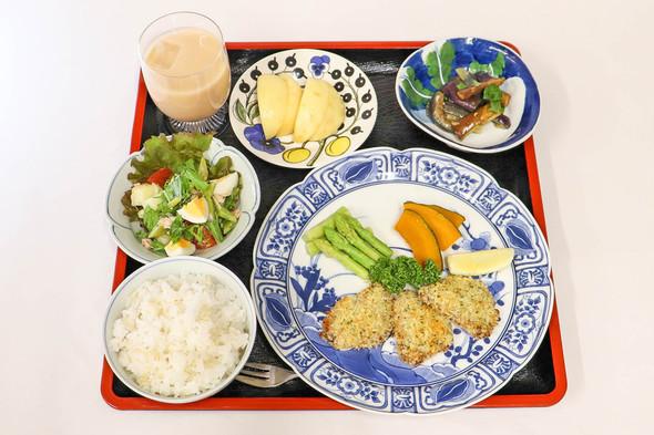 豚ヒレ肉の香草パン粉焼き&カラフルサラダ