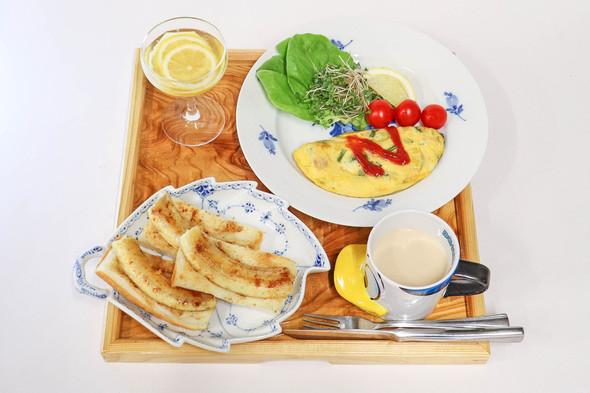 バナナトースト&スパニッシュ風オムレツ