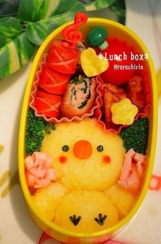 ✿年少怪獣のお座りピヨちゃんお弁当✿